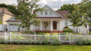 white fence landscaping Hamilton Ontario
